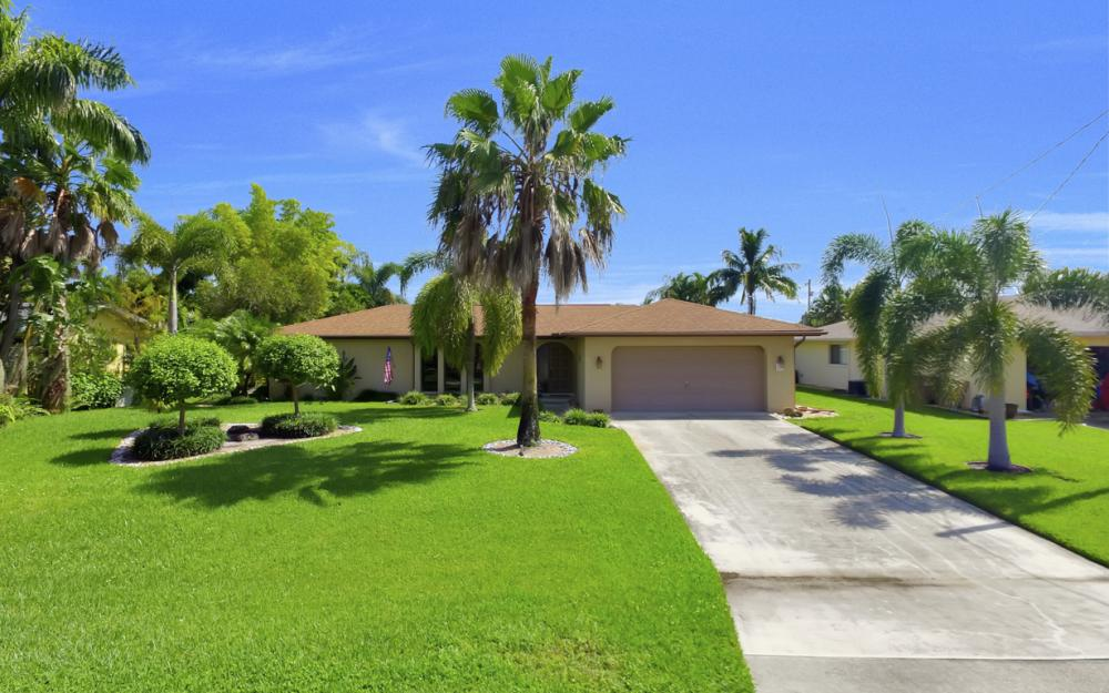 900 SW 54th Ln, Cape Coral - Home For Sale 1686933370
