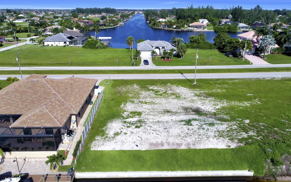 214 Old Burnt Store Rd S, Cape Coral - Lot For Sale  212878928