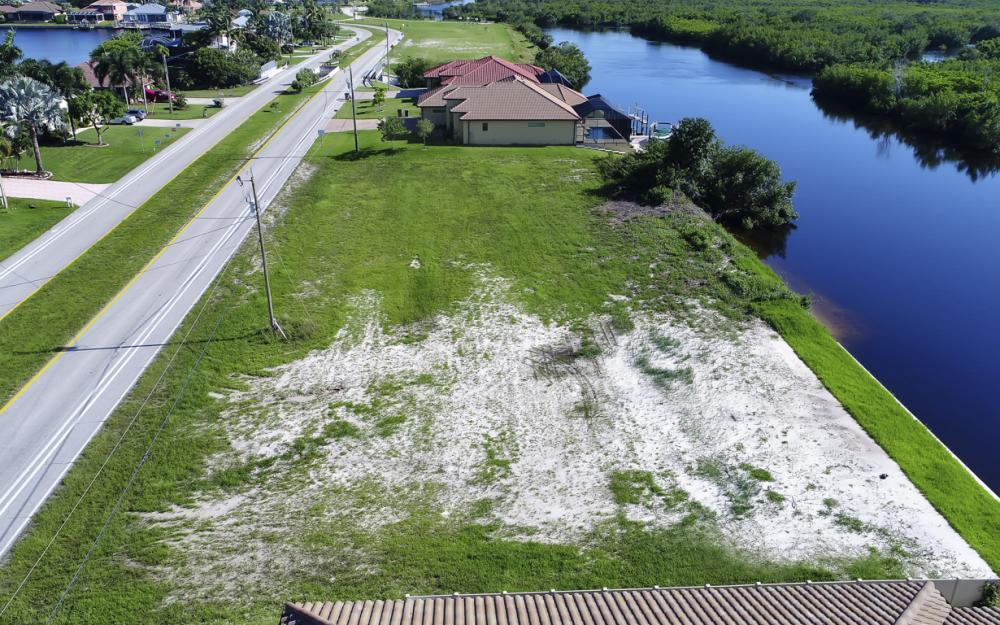 214 Old Burnt Store Rd S, Cape Coral - Lot For Sale  429772474