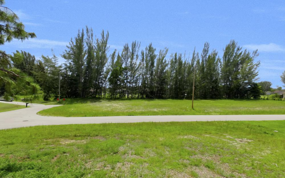 514 SW 22ns St, Cape Coral - Lot For Sale 1119386334