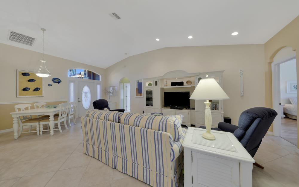 7584 Key Deer Ct, Fort Myers - Home For Sale 1090229576