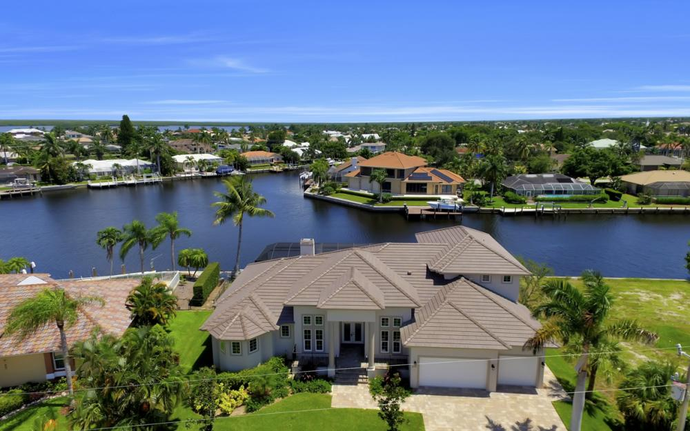 411 Nassau Ct, Marco Island - Home For Sale 75597250