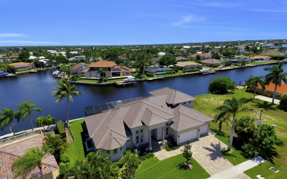 411 Nassau Ct, Marco Island - Home For Sale 773329558