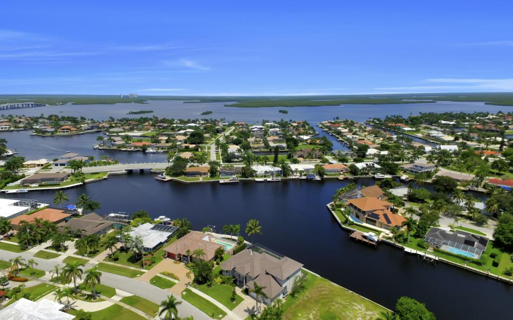 411 Nassau Ct, Marco Island - Home For Sale 2134071777