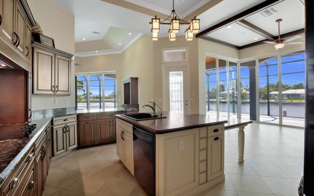 1722 Hummingbird Ct, Marco Island - Home For Sale 96261242