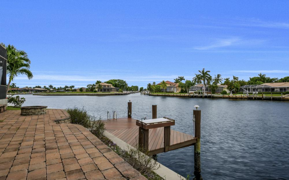 1722 Hummingbird Ct, Marco Island - Home For Sale 267765079