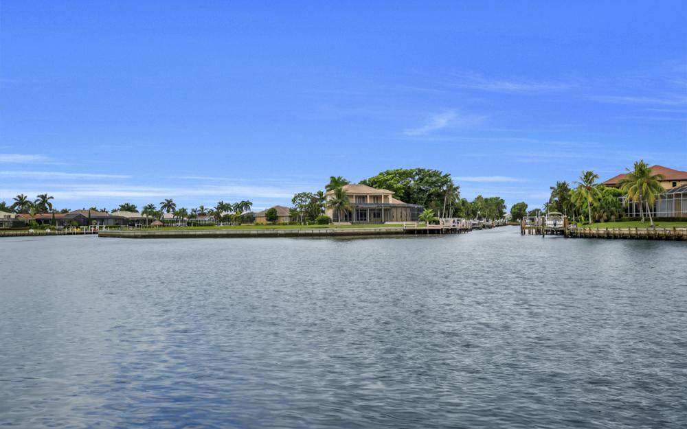 1722 Hummingbird Ct, Marco Island - Home For Sale 32220744