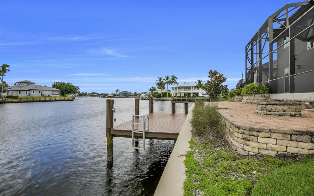 1722 Hummingbird Ct, Marco Island - Home For Sale 543990722