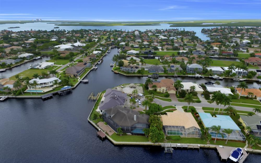 1722 Hummingbird Ct, Marco Island - Home For Sale 2111978763