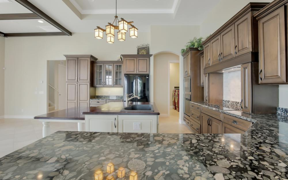 1722 Hummingbird Ct, Marco Island - Home For Sale 691238015