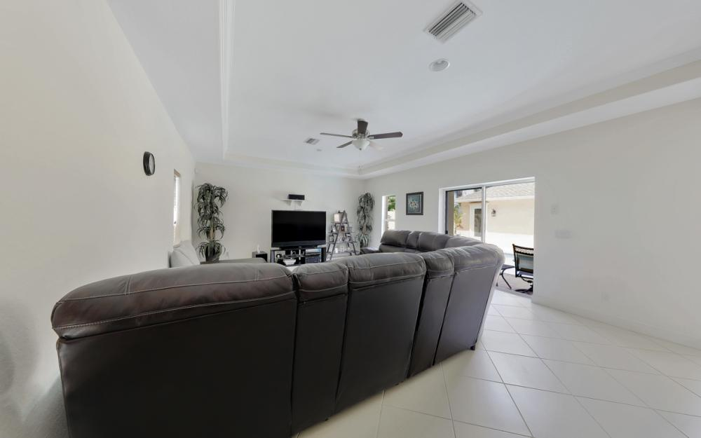 1414 SE 1st Ter, Cape Coral - Home For Sale 1818673170