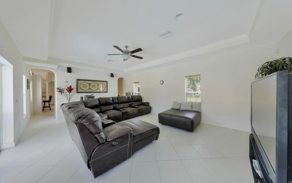 1414 SE 1st Ter, Cape Coral - Home For Sale 934879776