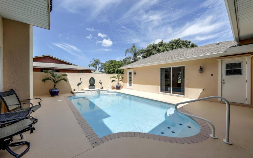 1414 SE 1st Ter, Cape Coral - Home For Sale 439913466