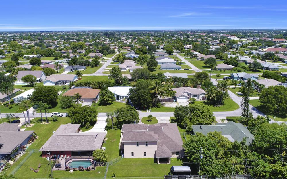 1414 SE 1st Ter, Cape Coral - Home For Sale 582493979