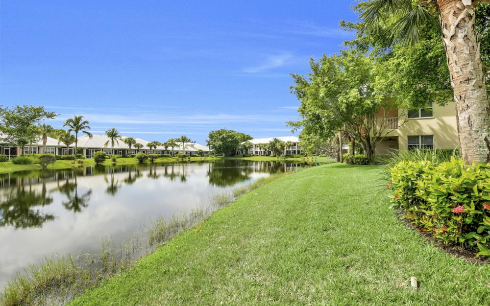 4620 Hawks Nest Dr #104, Naples - Home For Sale 369042310
