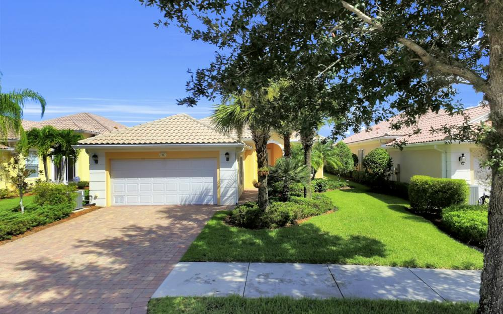 7967 Valentina Ct, Naples - Home For Sale 337961334
