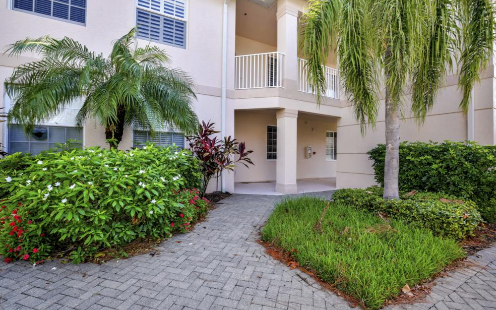 3985 Bishopwood Ct E#103, Naples - Home For Sale 1052254934
