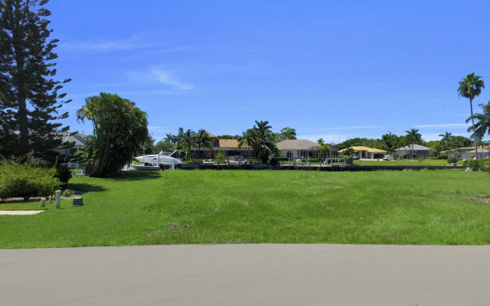 468 Barcelona Ct, Marco Island - Lot For Sale 303817798