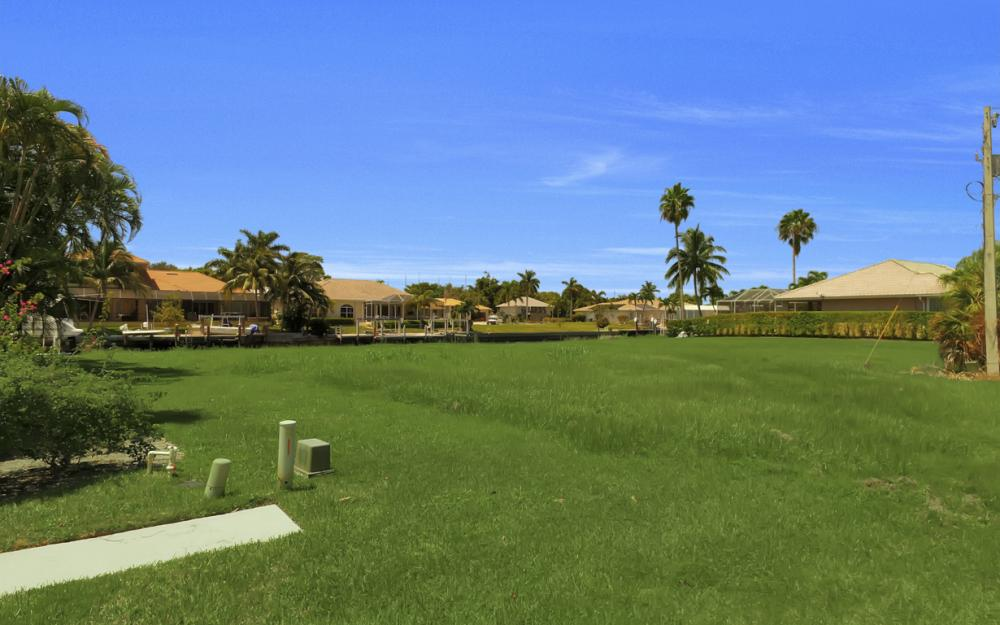 468 Barcelona Ct, Marco Island - Lot For Sale 438778421