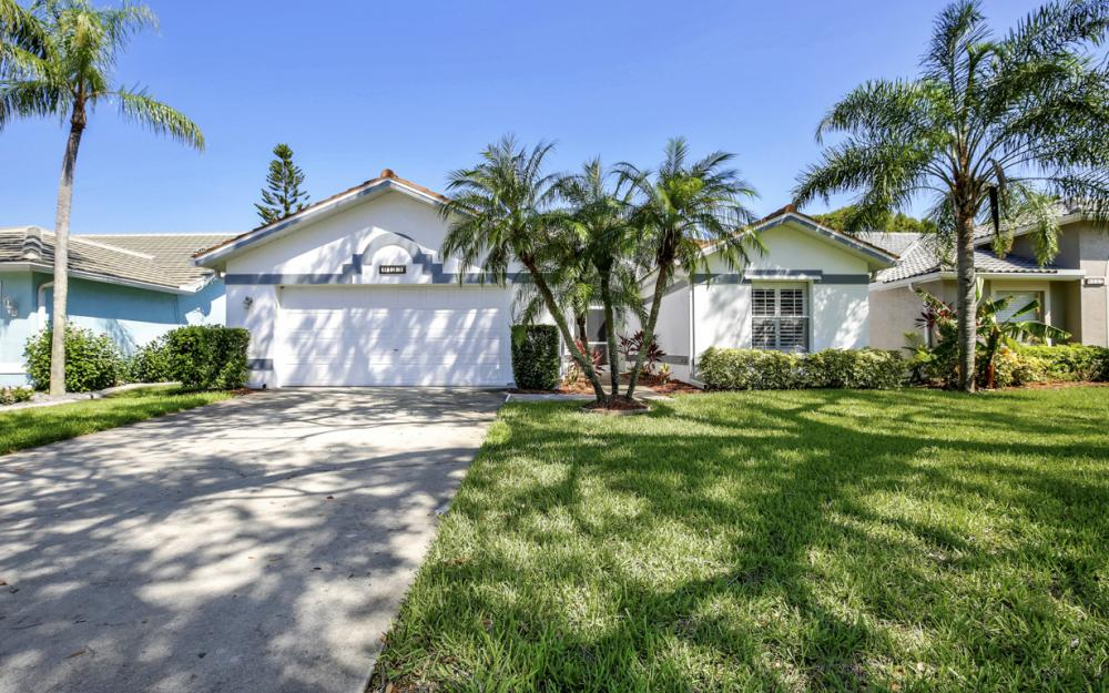 8133 Breton Cir, Fort Myers - Home For Sale 558265427