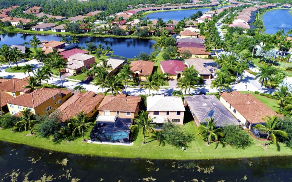 9182 River Otter Dr, Fort Myers - Home For Sale 240330905