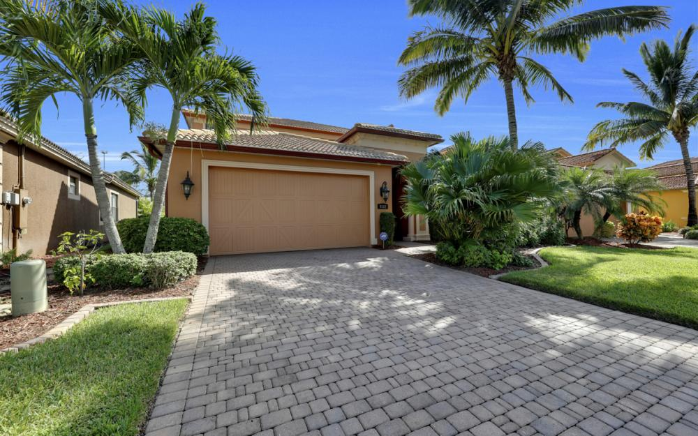 9182 River Otter Dr, Fort Myers - Home For Sale 338667926
