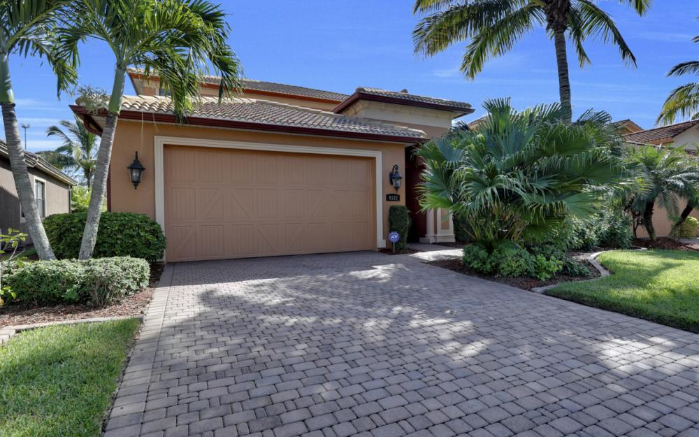 9182 River Otter Dr, Fort Myers - Home For Sale 1848623180