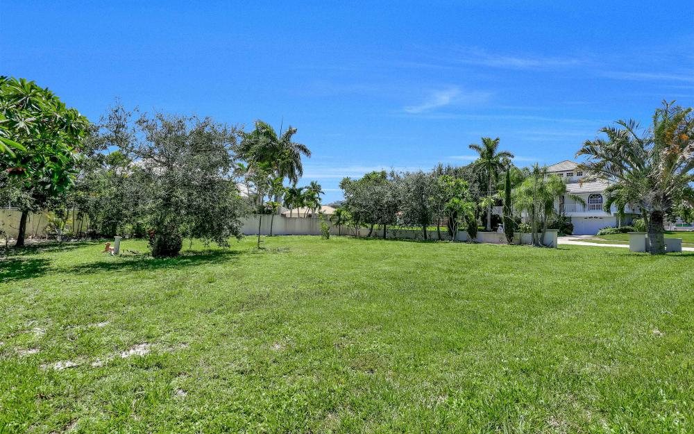 380 Cottage Ct, Marco Island - Lot For Sale 1147122427