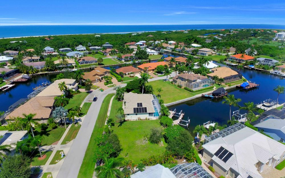 370 Cottage Ct, Marco Island - Lot For Sale 2108253623