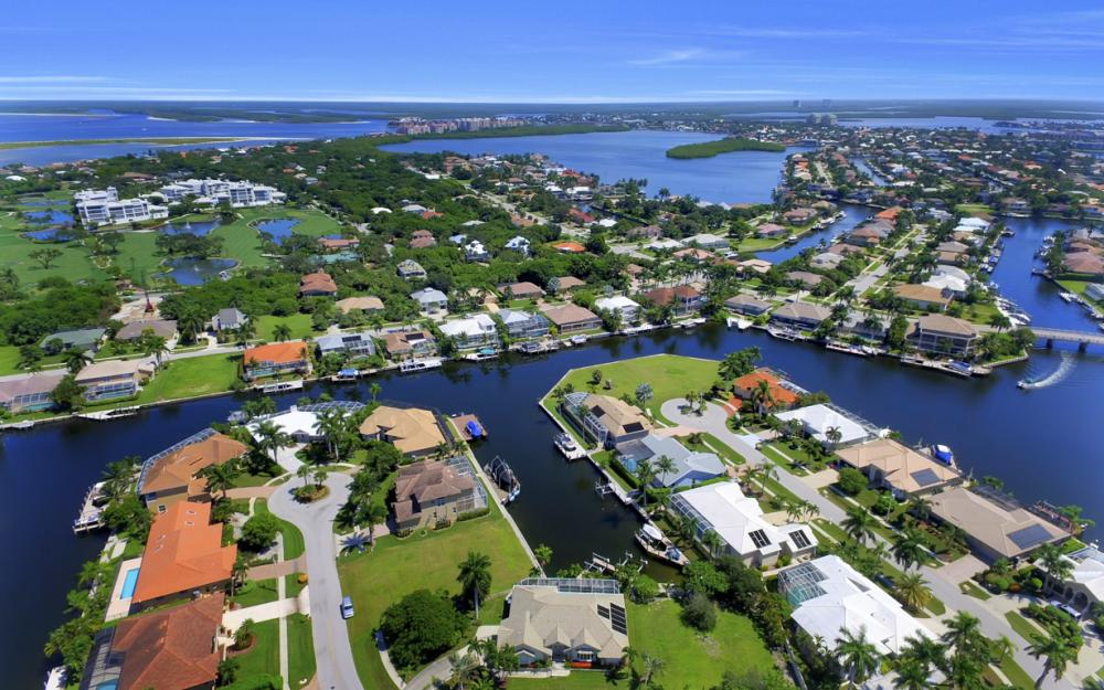 370 Cottage Ct, Marco Island - Home For Sale 751143558