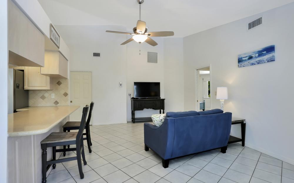 370 Cottage Ct, Marco Island - Home For Sale 1348251384