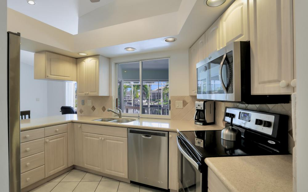 370 Cottage Ct, Marco Island - Home For Sale 59714898