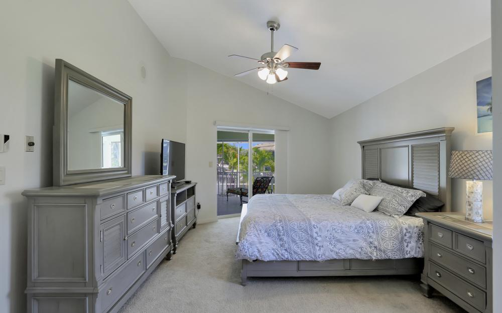 370 Cottage Ct, Marco Island - Home For Sale 1331611955