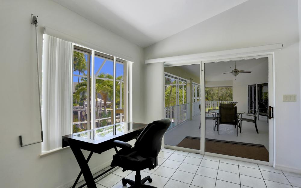 370 Cottage Ct, Marco Island - Home For Sale 841625365