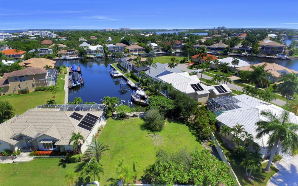 370 Cottage Ct, Marco Island - Home For Sale 326451981