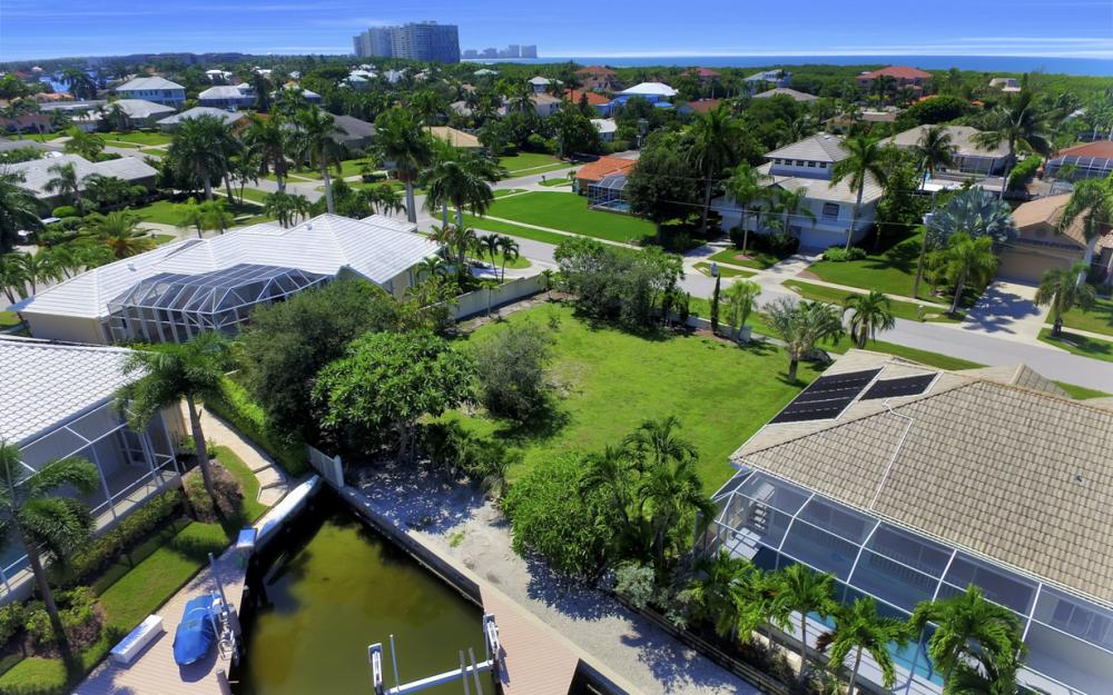 370 Cottage Ct, Marco Island - Home For Sale 521560124