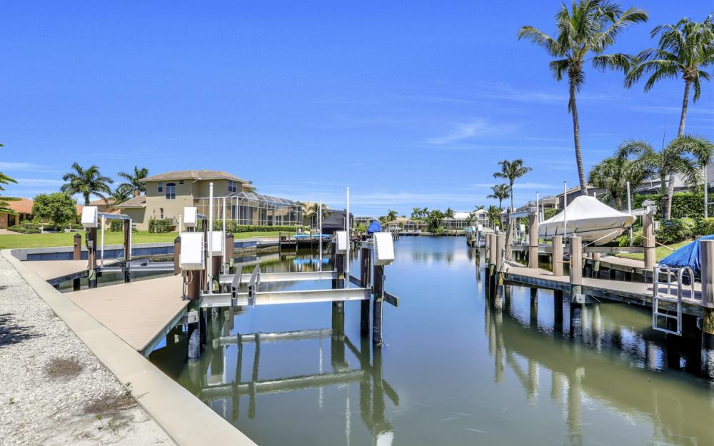370 Cottage Ct, Marco Island - Home For Sale 640946697