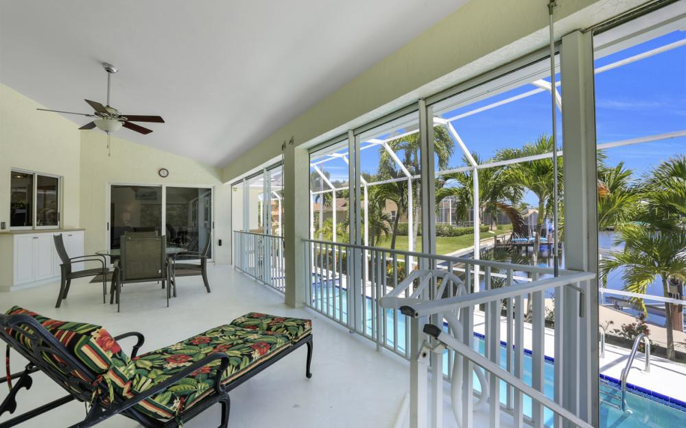 370 Cottage Ct, Marco Island - Home For Sale 854051510