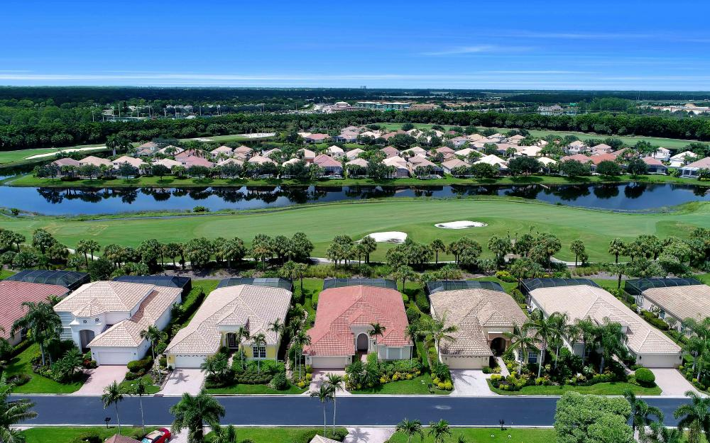 10057 St Moritz Dr, Miromar Lakes - Home For Sale 543233059