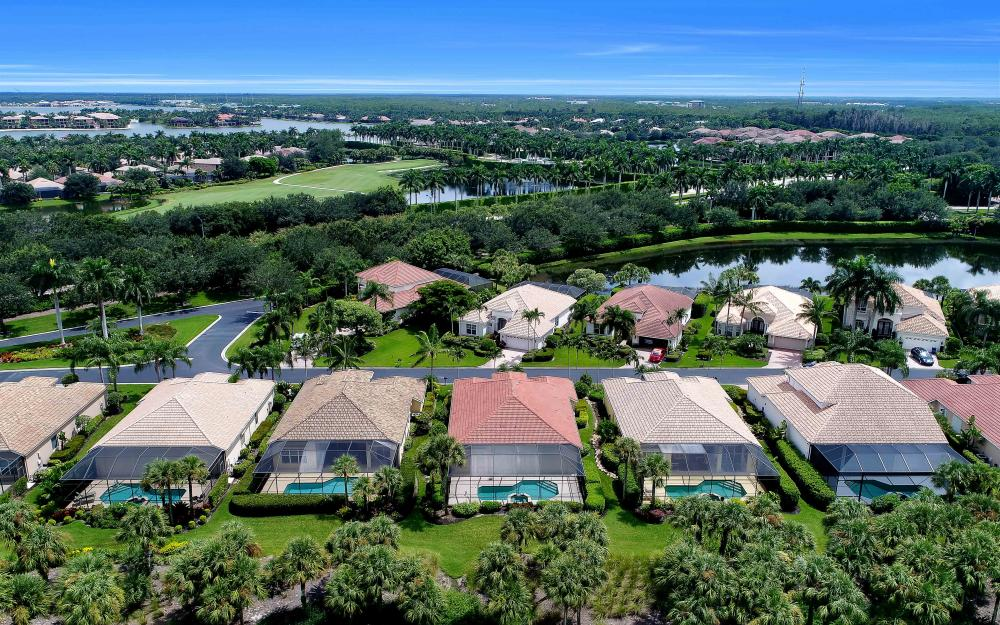 10057 St Moritz Dr, Miromar Lakes - Home For Sale 358072777