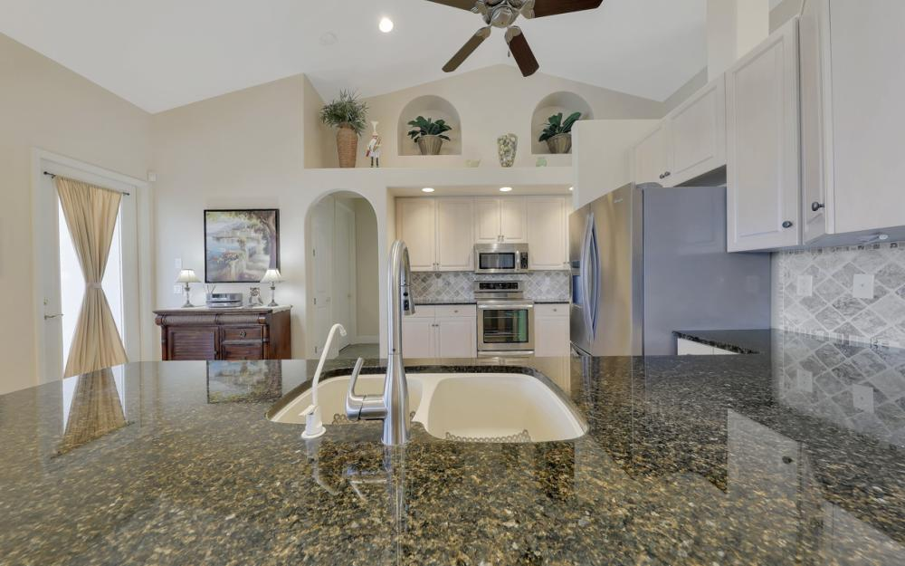1254 NW 32nd Pl, Cape Coral - Home For Sale 774687584