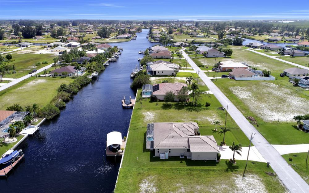 443 NW 38th Ave, Cape Coral - Home For Sale 558654312