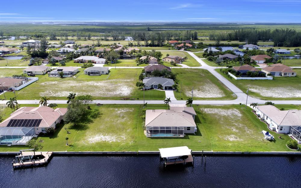 443 NW 38th Ave, Cape Coral - Home For Sale 836550711