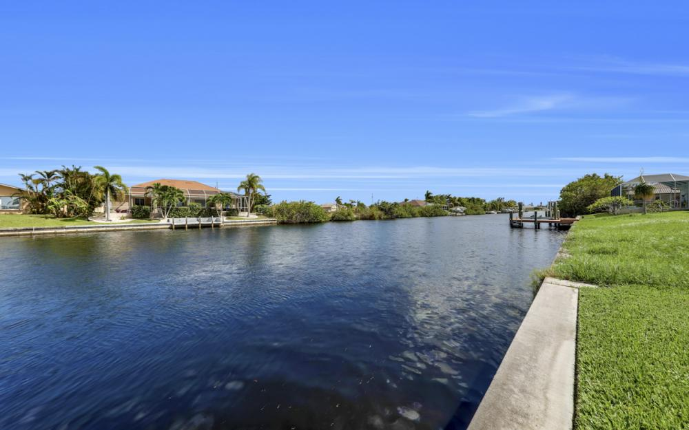 443 NW 38th Ave, Cape Coral - Home For Sale 309581086