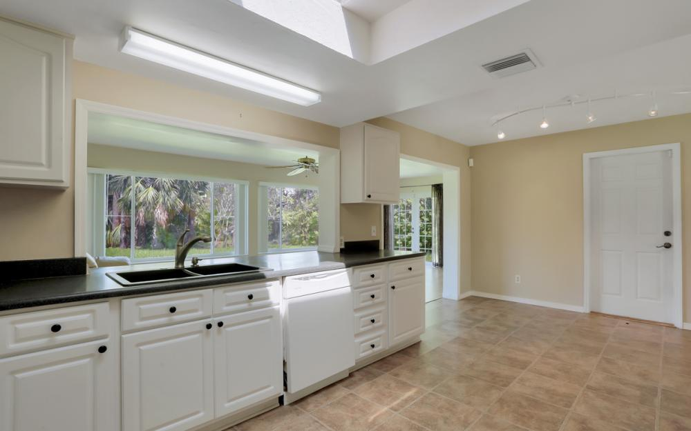229 Willowick Dr, Naples - Home For Sale 705511263
