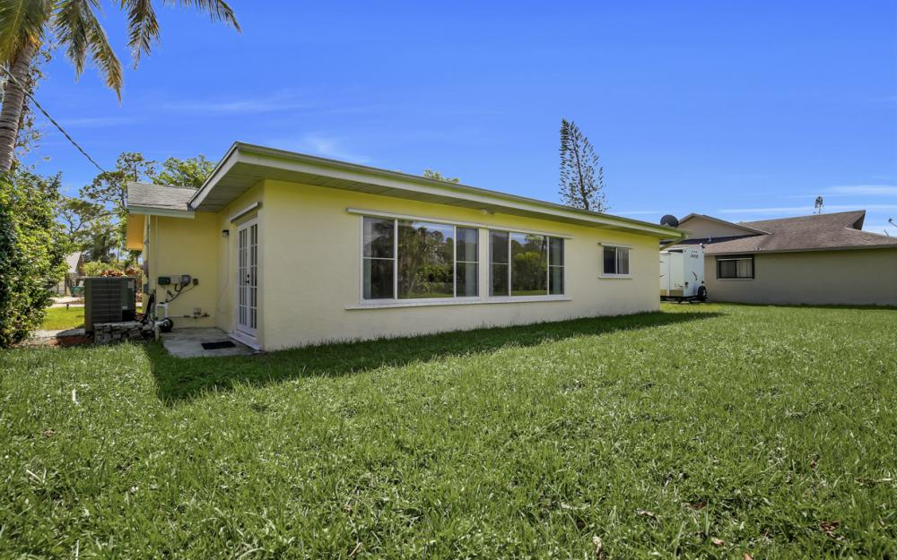 229 Willowick Dr, Naples - Home For Sale 2106666454
