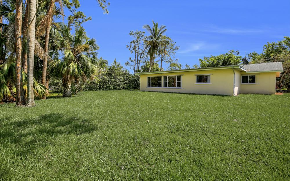 229 Willowick Dr, Naples - Home For Sale 1094718940