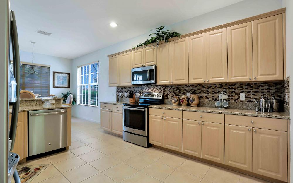 5453 Whispering Willow Way, Fort Myers - Home For Sale 291595055