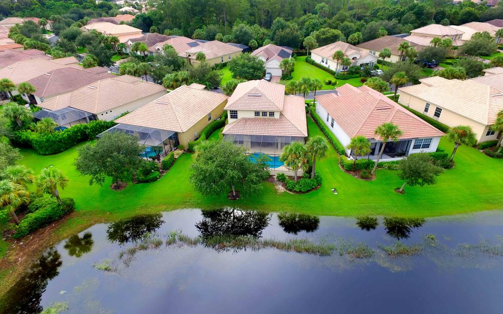 5453 Whispering Willow Way, Fort Myers - Home For Sale 850371938