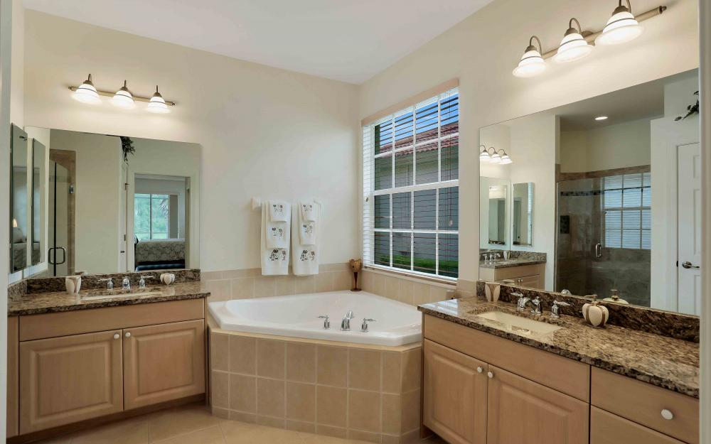 5453 Whispering Willow Way, Fort Myers - Home For Sale 2080035372